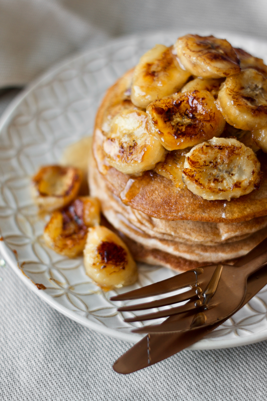 caramelized-banana-pancakes-panquecas-banana-caramelizadas-vegan-1
