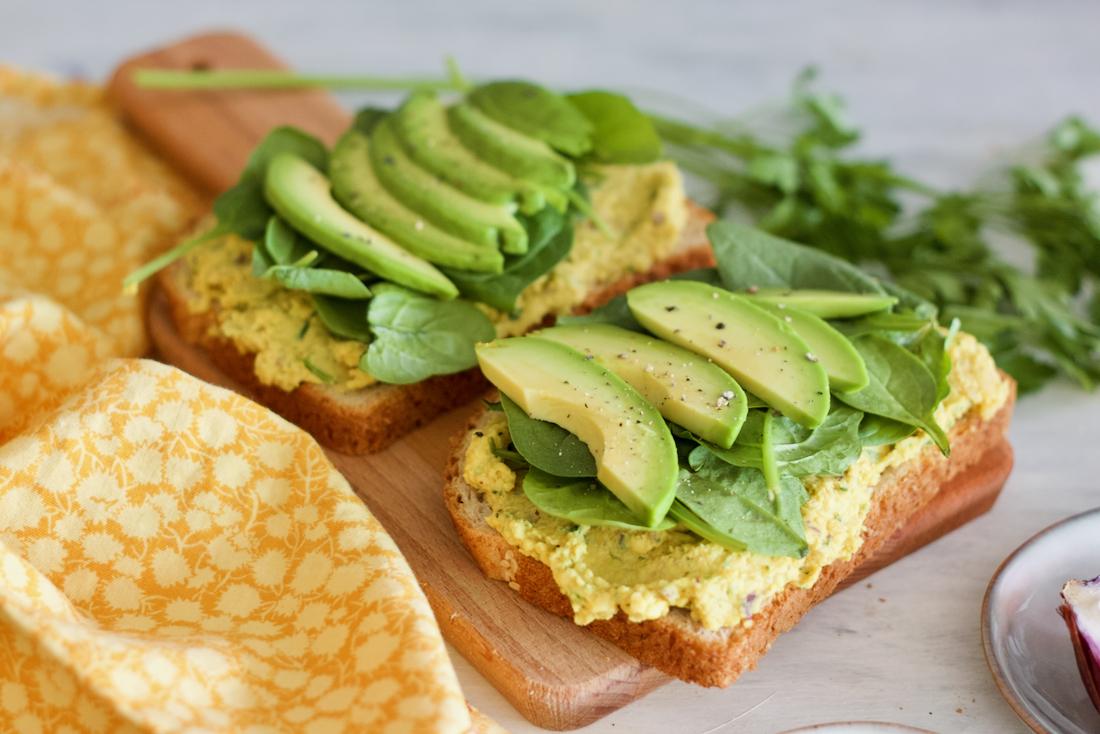 chickpea-filling-sandwich-toast-patê-grão-de-bico-2
