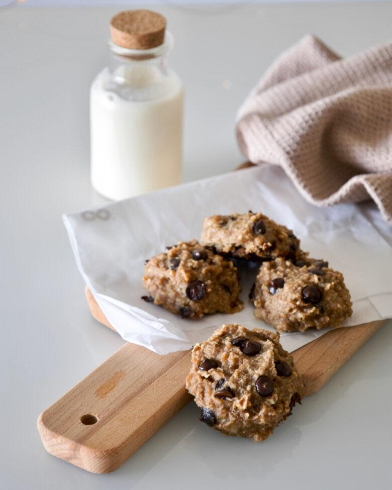easy-vegan-healthy-banana-chocolate-chip-breakfast-cookies-bolachas-banana-pepitas-chocolate-fáceis- 8